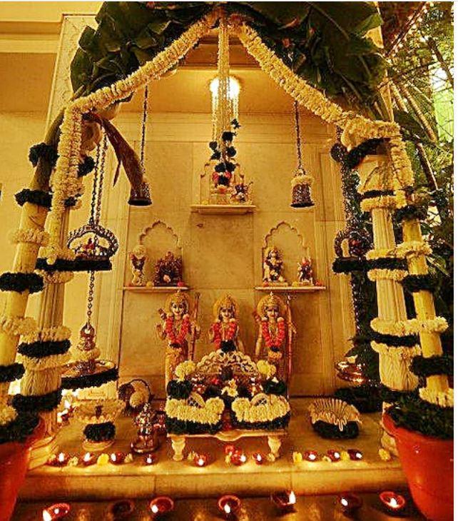 आलीशान बंगले में रहते हैं Amitabh Bachchan, सोने-हीरों से लदी हैं भगवान की मूर्तियां, देखें घर की INSIDE तस्वीरें